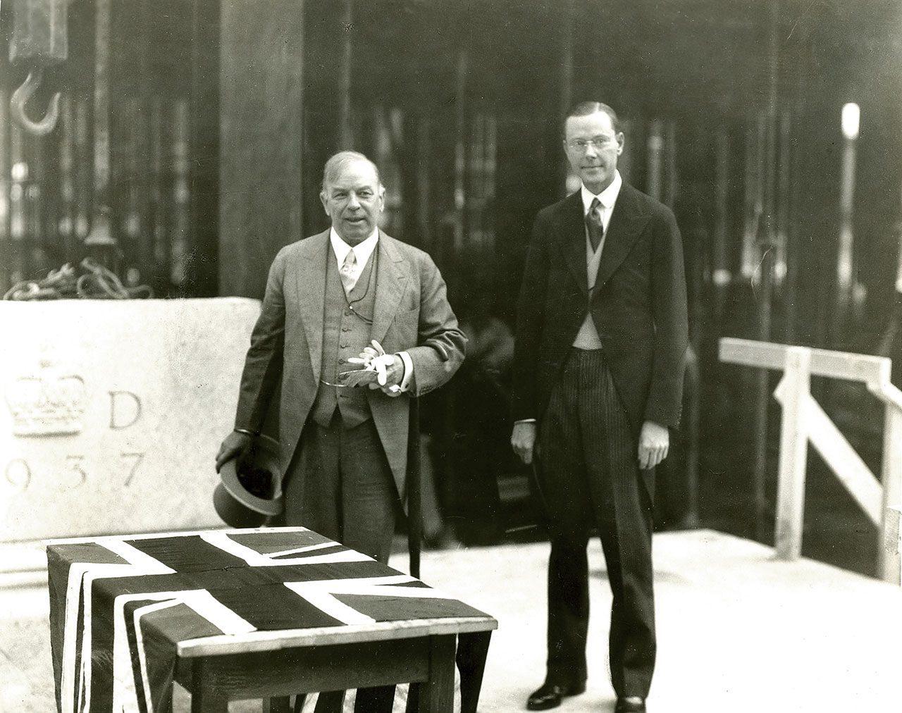Le premier ministre William Lyon Mackenzie King et le premier gouverneur de la Banque, Graham Towers – 10 août 1937