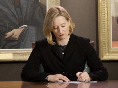 Carolyn Wilkins a été nommée première sous-gouverneure pour un mandat de sept ans commençant le 2 mai 2014.