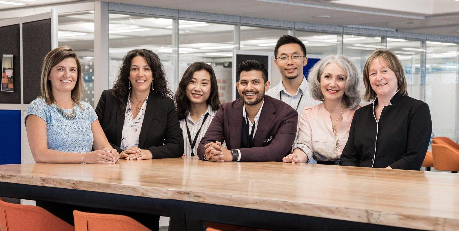 De la gauche : Mireille Lacroix, Carole Nault, Jinwei Hu (Silver), Shawn Kanungo (Silver), Leyuan Yu (Siver), Marie-Claude Decobert-Delcourt et Annie Guilbault