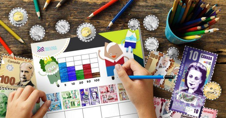 Main d'enfant qui tient un crayon bleu et colorie un graphique sur une feuille de travail.
